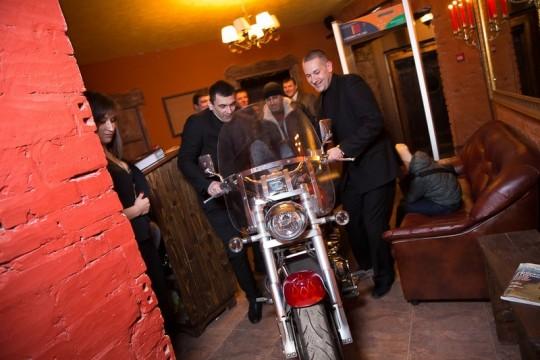 доставка мотоцикла на мероприятие или фотосессию